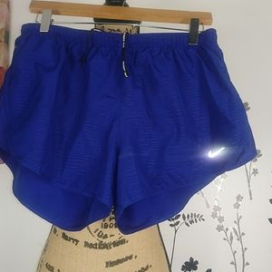 Nike dri fit women's shorts size L.